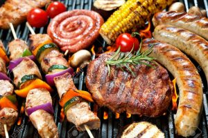 40227679-assorted-delicious-grilled-meat-with-vegetable-over-the-coals-on-a-barbecue